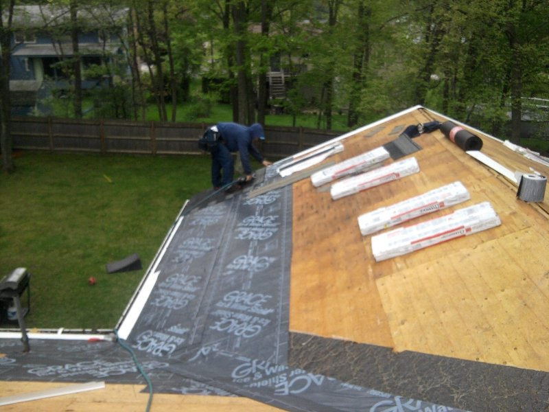 Shingles Roof Installation